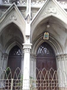 Catedral de Santos - a Catedral da Sé, em São Paulo, foi construída baseada nesta igreja.. dá para acreditar?
