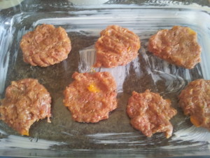 Hambúrguer Caseiro - untei a forma com manteiga